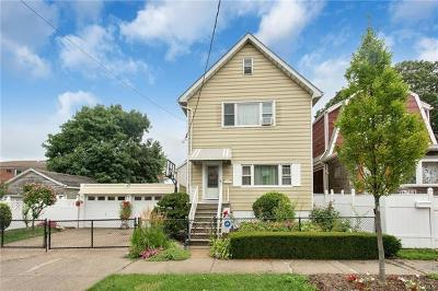 Bronx NY Single Family Home For Sale: $729,000