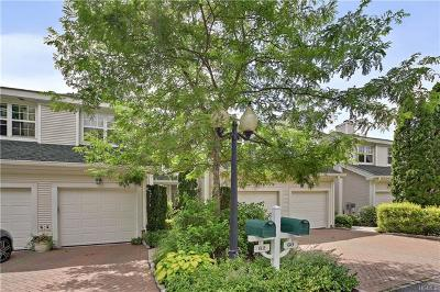 Bedford Hills Condo/Townhouse For Sale: 60 Lake Marie Lane