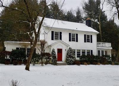 Chappaqua Single Family Home For Sale: 301 Quaker Road