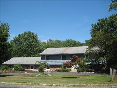 Monroe Single Family Home For Sale: 54 Bayberry Drive