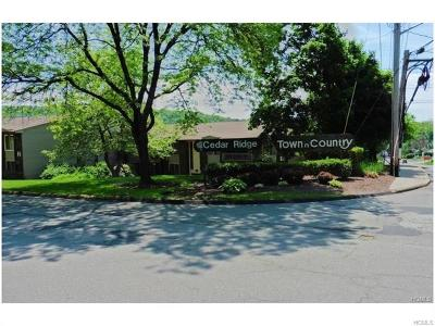 Condo/Townhouse For Sale: 114 Country Club Lane