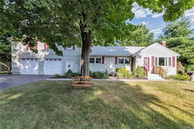 Pleasant Valley Single Family Home For Sale: 66 Gleason Boulevard