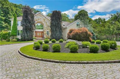 Armonk Single Family Home For Sale: 4 Patriots Farm Court