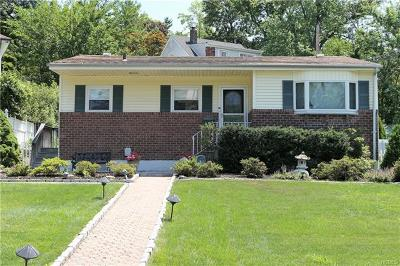 Westchester County Single Family Home For Sale: 61 Barrington Road