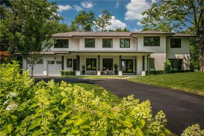 Westchester County Single Family Home For Sale: 20 Gate House Lane
