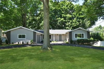 White Plains Single Family Home For Sale: 6 Green Acres Lane