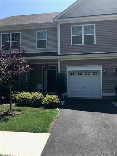 Middletown Condo/Townhouse For Sale: 25 High Ridge Lane