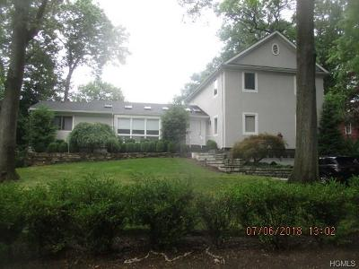 New Rochelle Single Family Home For Sale: 16 Rock Ridge Circle