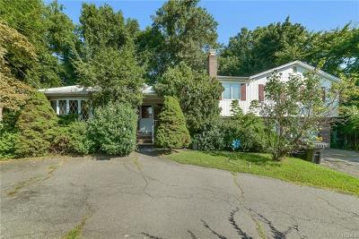 Rockland County Single Family Home For Sale: 40 Hilltop Place
