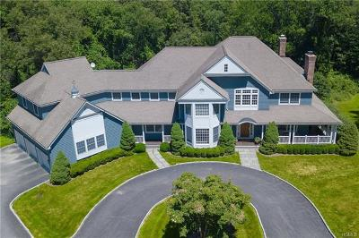 Westchester County Single Family Home For Sale: 39 Great Hills Farm Road