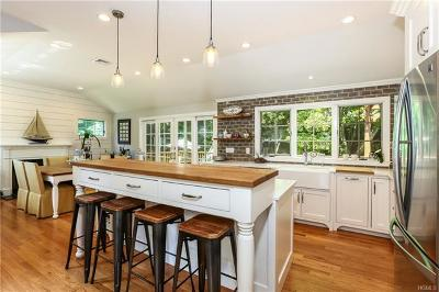 Westchester County Single Family Home For Sale: 21 Rock Ridge Drive