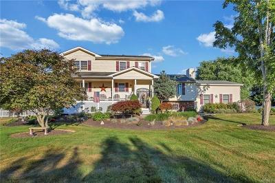Rock Tavern Single Family Home For Sale: 5 Hampton Court