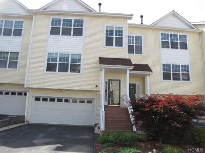Middletown Condo/Townhouse For Sale: 97 Woodlake Drive