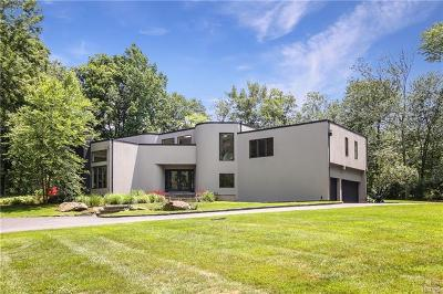 Westchester County Single Family Home For Sale: 8 Perch Bay Road