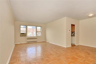 Co-Operative For Sale: 3750 Hudson Manor Terrace #6EE