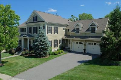 Westchester County Single Family Home For Sale: 28 Cider Mill Circle