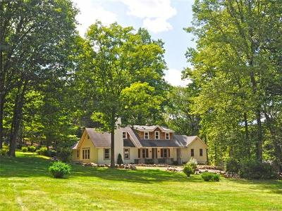 Tuxedo Park Single Family Home For Sale: 18 Ridge Road