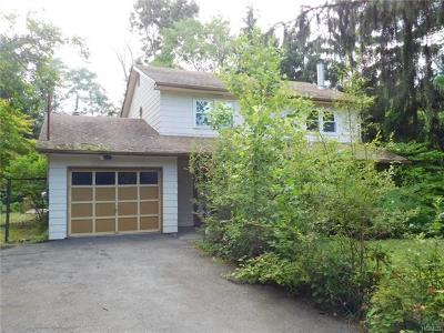 New Windsor Single Family Home For Sale: 18 Beakes Road
