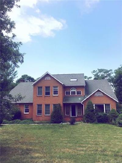 Rockland County Single Family Home For Sale: 4 Chamberlain Court
