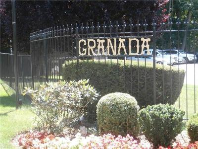 White Plains Condo/Townhouse For Sale: 8 Granada Crescent #2