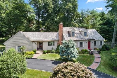 Westchester County Single Family Home For Sale: 36 Hunt Farm Road