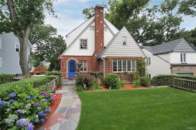 Larchmont Single Family Home For Sale: 75 Hickory Grove Drive West