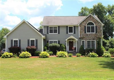Hopewell Junction Single Family Home For Sale: 32 Baron Drive