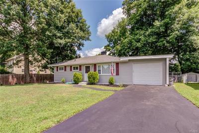 Middletown Single Family Home For Sale: 6 Madelaine Terrace