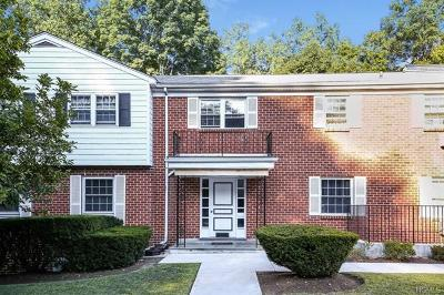 White Plains Condo/Townhouse For Sale: 213 Woodland Hills Road