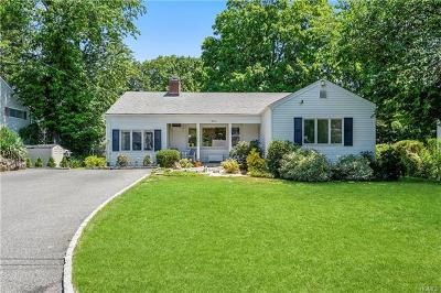 Westchester County Single Family Home For Sale: 11 Lookout Place