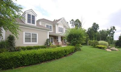 Cornwall Single Family Home For Sale: 3 Knoll Crest Court