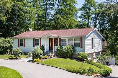 Putnam County Single Family Home For Sale: 14 Center Road