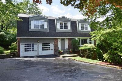 Tarrytown Single Family Home For Sale: 25 Round A Bend Road