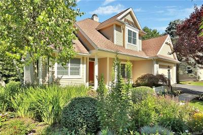 Armonk Single Family Home For Sale: 17 Greenbriar Circle