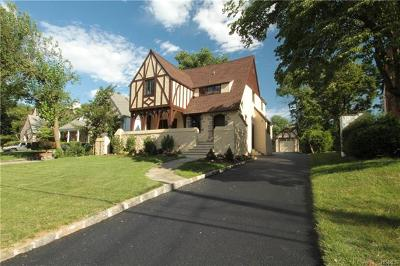 New Rochelle Single Family Home For Sale: 45 Northfield Road