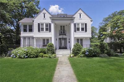 New Rochelle Single Family Home For Sale: 44 Lester Place