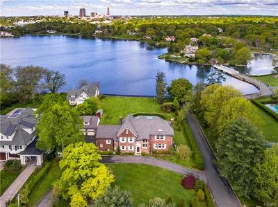 Bronxville, Larchmont, Mount Vernon, New Rochelle, North Salem, Pelham, Rye, Scarsdale, South Salem, West Harrison, White Plains, Yonkers Single Family Home For Sale: 16 Pryer Lane