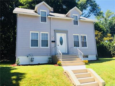 Single Family Home For Sale: 1 Oak Street