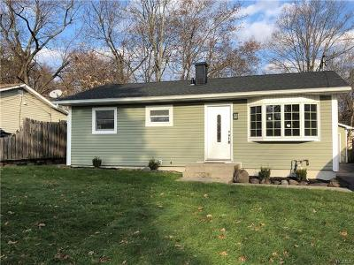 Goshen Single Family Home For Sale: 13 Judd Place