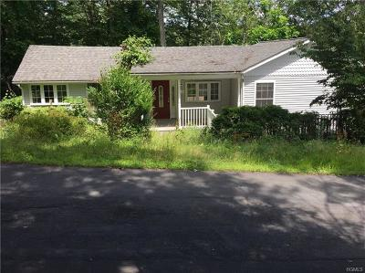 Wurtsboro Single Family Home For Sale: 14 Arbutus Trail