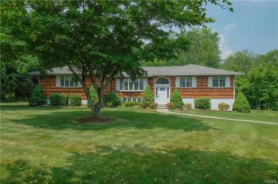 Valhalla Single Family Home For Sale: 5 Boxwood Court