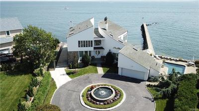 New Rochelle Single Family Home For Sale: 34 Beachfront Lane