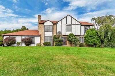 Warwick Single Family Home For Sale: 4 Cedar Hill Drive