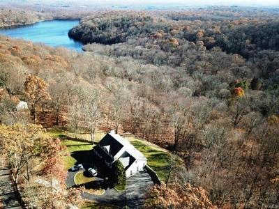 Putnam County Single Family Home For Sale: 630 Barrett Hill Road