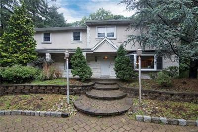 Rockland County Single Family Home For Sale: 10 Twin Lakes Drive