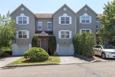 New Windsor Condo/Townhouse For Sale: 408 Arbor Lane