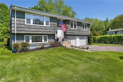 Connecticut Single Family Home For Sale: 11 Surrey Drive