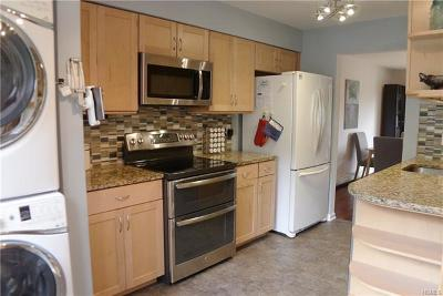 Ossining Condo/Townhouse For Sale: 1 Briarcliff Drive South #110