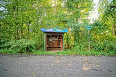 Rockland County Single Family Home For Sale: 32 Dogwood Lane