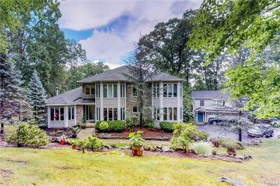 Single Family Home For Sale: 13 Tomkins Ridge Road